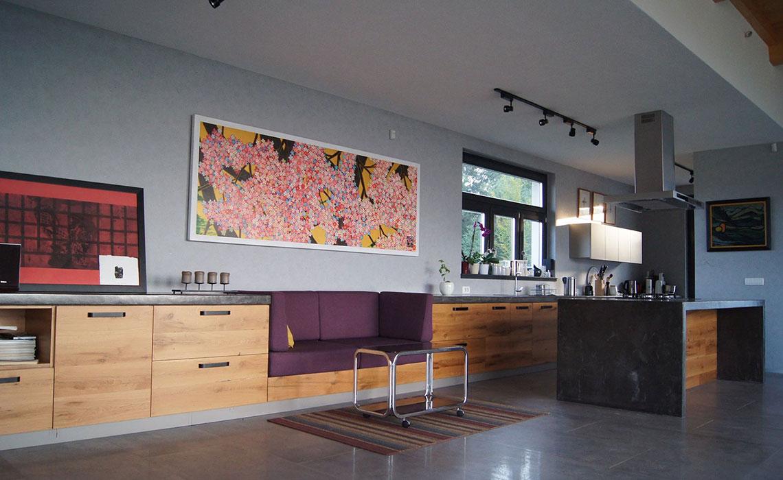 Kuhinja 12 metara- harmonično povezana za dnevnom sobom. (Privatni stan)